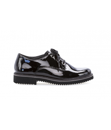 Derbies noirs vernis