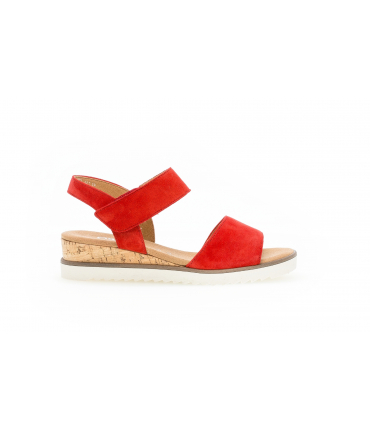 Sandales rouges en suede